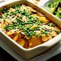 Zapiekanka ziemniaczana z mielonym mięsem, zielonym groszkiem i cukinią