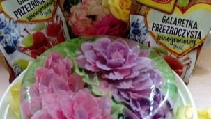 Kwiaty w galaretce przezroczystej Winiary.