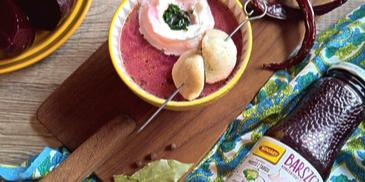 Barszczyk ukraiński z pikantną nutą i uszkami z czarną fasolą