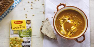 Pikantna zupa z dyni piżmowej z ziarnami słonecznika