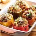 Pieczona papryka faszerowana mięsem mielonym i warzywami