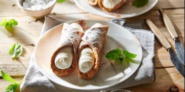 Włoskie cannoli z ricottą – rurki z kremem
