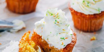 Muffinki dyniowe ze skórką pomarańczy i kremem limonkowym