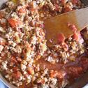 Spaghetti z mięsem wieprzowo-wołowym i sosem pomidorowym