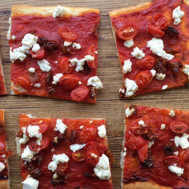Pizza ai 3 pomodorini e ricotta