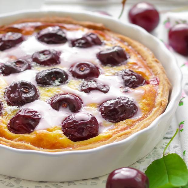 Crostata di yogurt e ciliegie