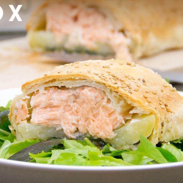 Strudel salato con salmone al sesamo