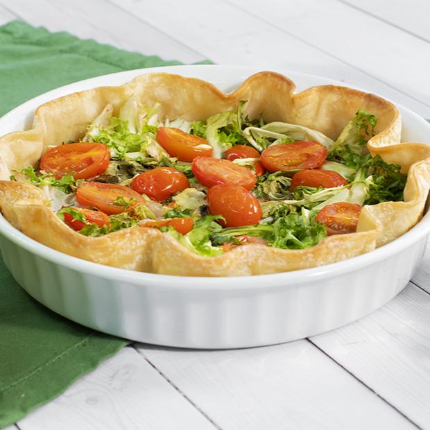 Torta salata con scarola, stracchino e pomodorini