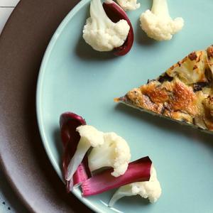 Torta salata con radicchio e cavolfiore