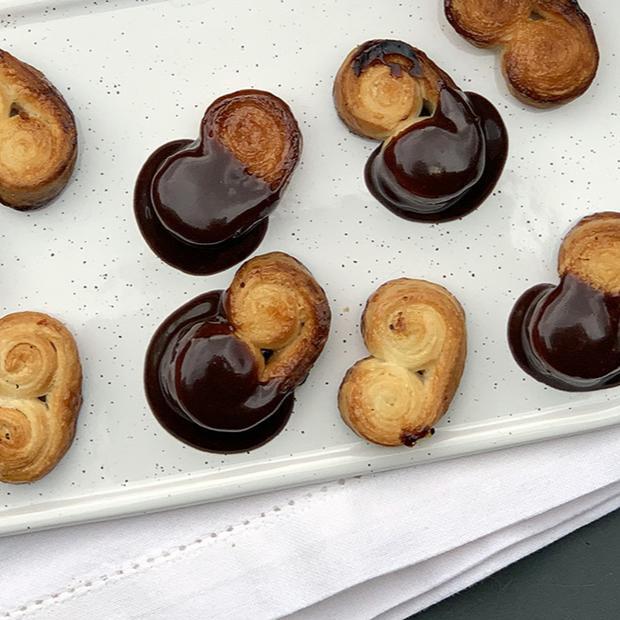 Ventaglietti di sfoglia al cioccolato