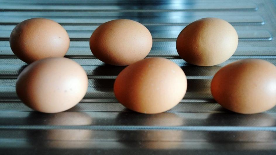 Jajka w koszulkach przygotowane w piekarniku