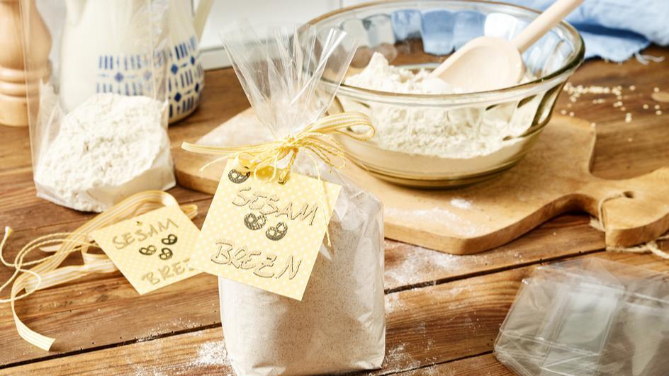 Backmischung für Sesam-Brezn zum Verschenken