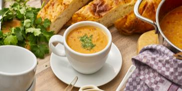 Dal-Suppe (Indische Tomaten-Linsen-Suppe)