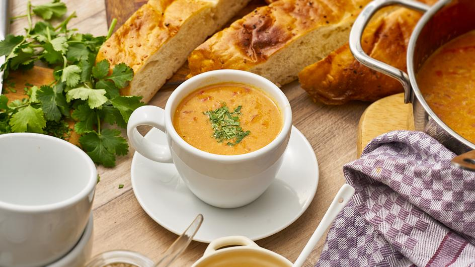 Dal-Suppe (Indische Tomaten-Linsen-Suppe)
