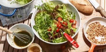 Kräuter-Rucola-Salat