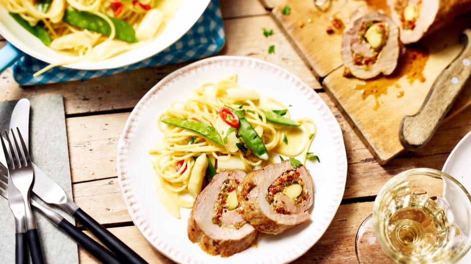 Wasabi-Schweinelende an Weißwein-Spargel-Spaghetti