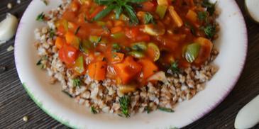 Елда със зеленчуци и сос Болонезе