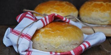 Czosnkowe miseczki chlebowe