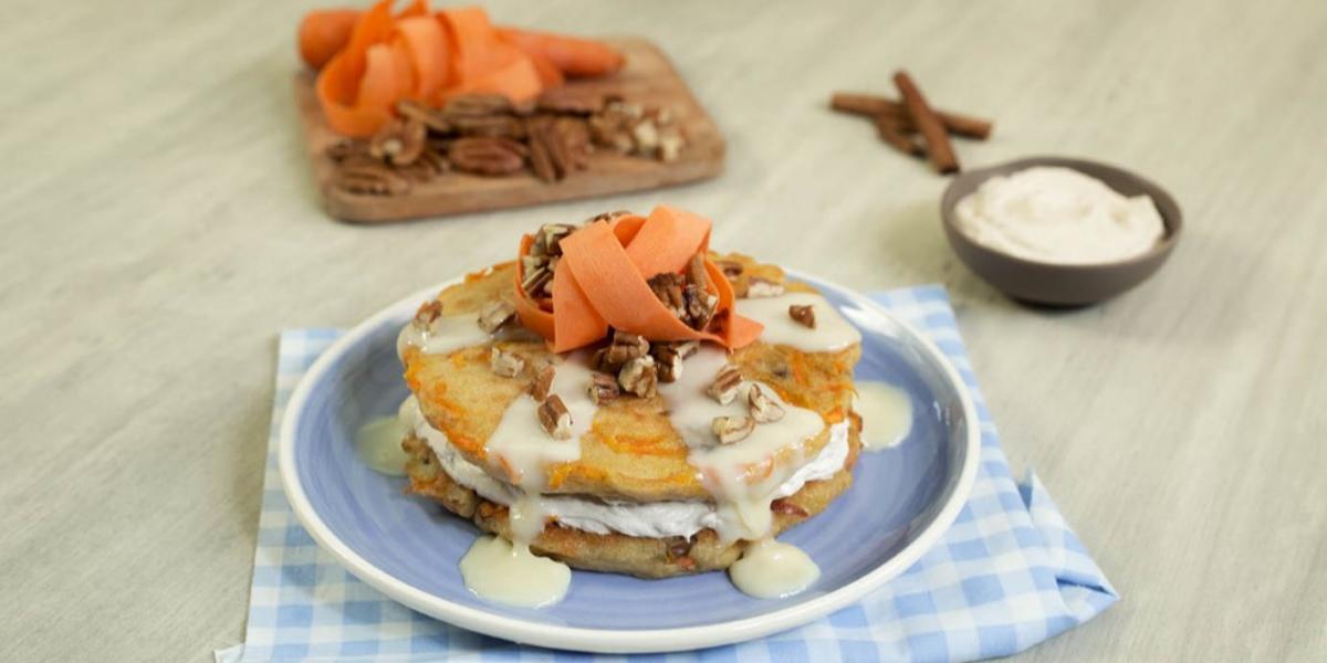 Hot cakes de zanahoria con betún