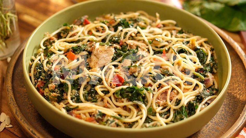 Spaghettis aux feuilles de taro
