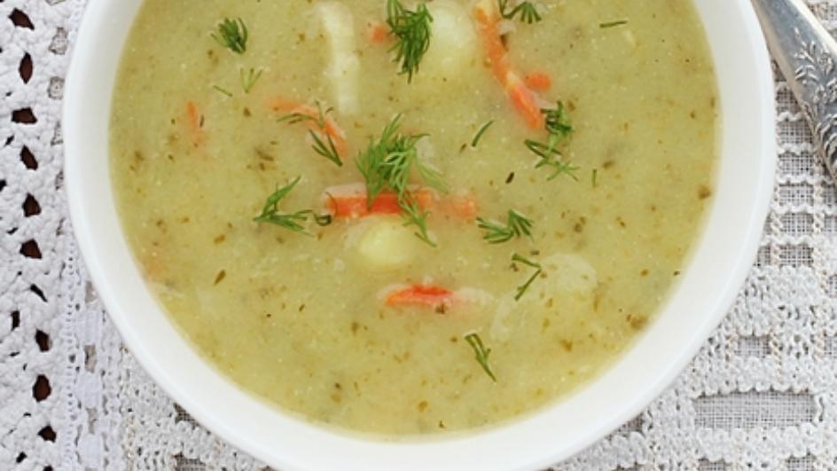 Swojska zupa ogórkowa