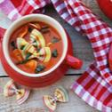 Zupa pomidorowa z makaronem i bazylią
