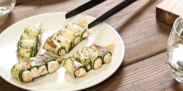 Zucchini-Röllchen vom Grill