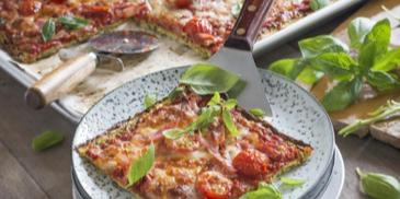 Low Carb Pizza mit Zucchini