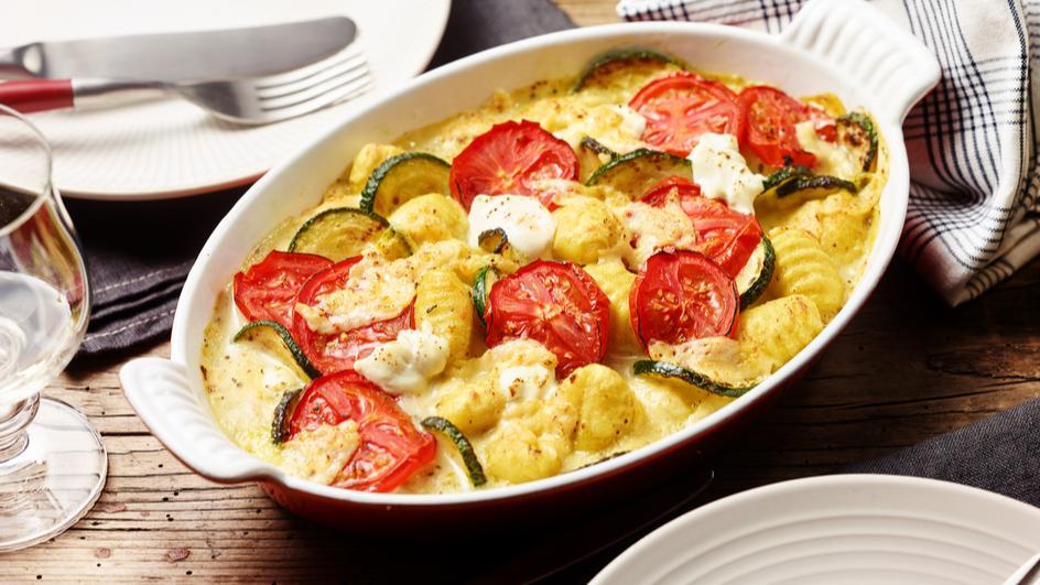 Tomaten-Zucchini-Gratin mit Gnocchi