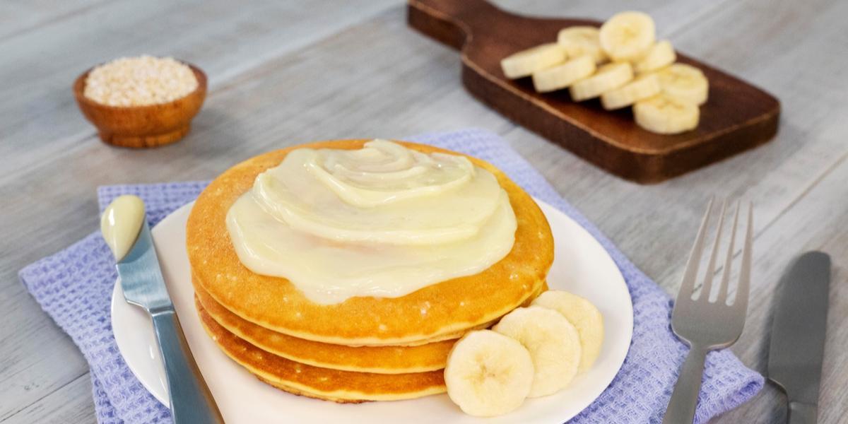 HOT CAKES DE PLÁTANO CON AMARANTO
