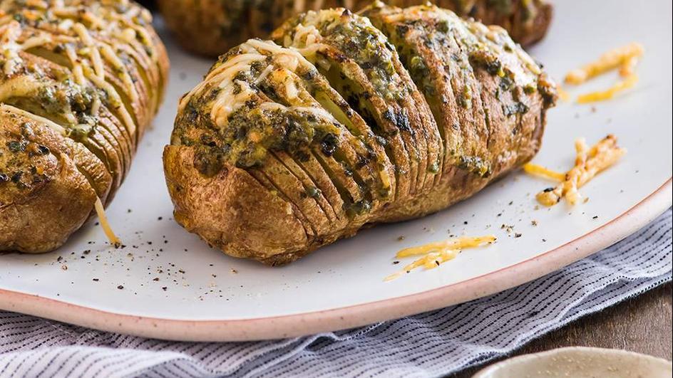 Cartofi copti cu usturoi la punga