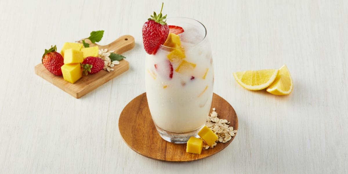 Agua de avena con frutas