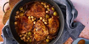 دجاج بالحمص والزيتون
