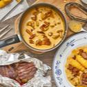 Rinderfilet mit Eierschwammerl in Pfeffer-Rahm-Sauce