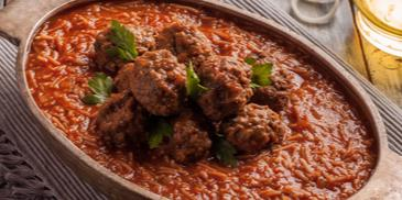 Vermicelli with Tomato Sauce and Meatballs