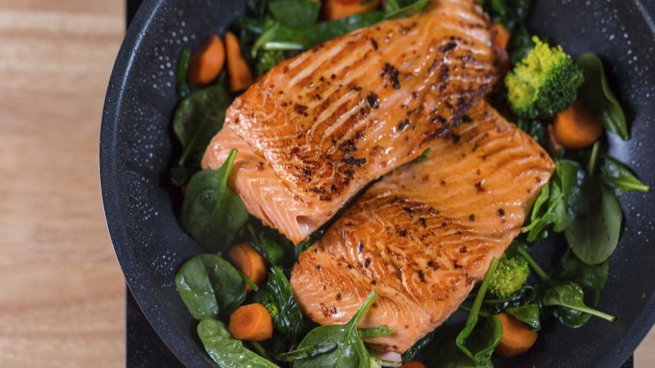 Salmon Goreng Kilas Dengan Keledek