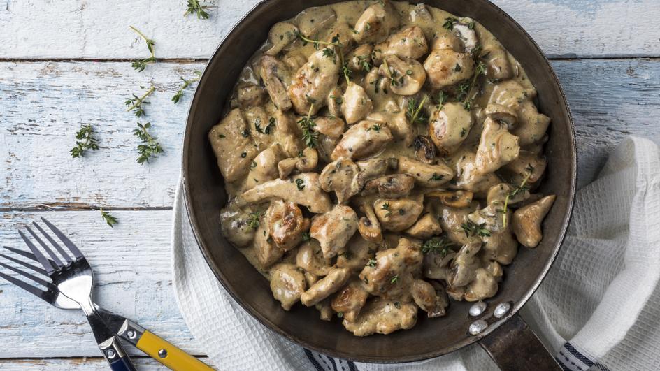 Κοτόπουλο αλά κρεμ από τον Άκη Πετρετζίκη