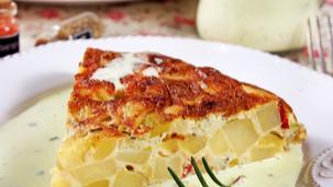 Картофен тарт с бяло сирене и сос четири сирена