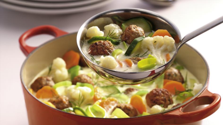 Mettbällchen-Schmand-Suppe