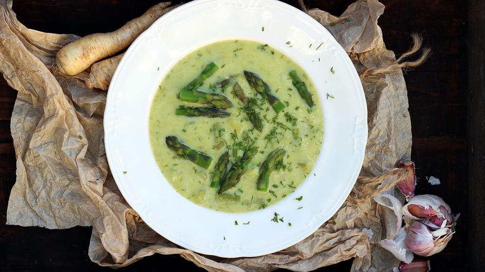 Zupa szparagowa z koperkiem