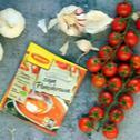 Zupa pomidorowa bez mięsa z soczewicą, pieczonym czosnkiem i pomidorkami