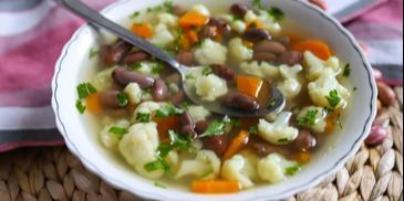 Zupa fasolowa na rosole