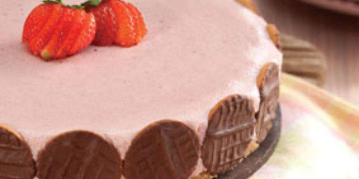 torta-mousse-morango-calipso-receitas-nestle