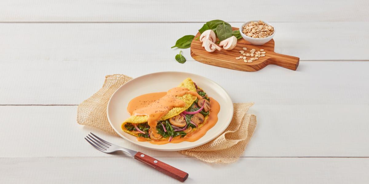 Omelette con salsa de pimiento