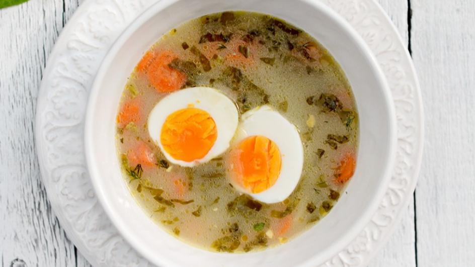 Wiosenna zupa ogórkowa ze szczawiem