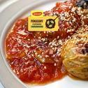 Pieczone gołąbki z resztkami warzyw w stylu azjatyckim, w sosie pomidorowym