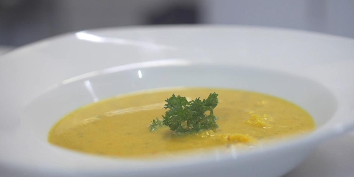 Coconut Curry Cauliflower Soup