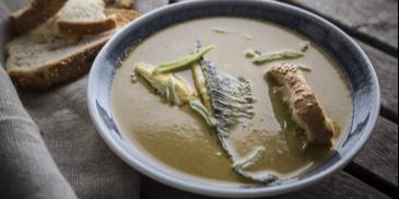 Ψαρόσουπα με τσιπούρα