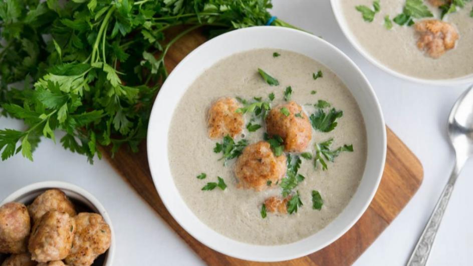 Zupa pieczarkowa z klopsikami