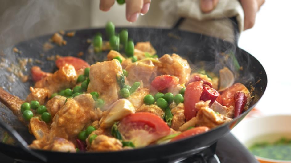 Chicken in Spicy Tomato Sauce